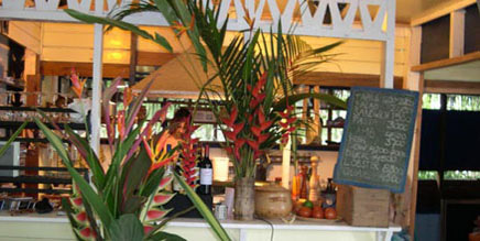 Things to do around puerto viejo and the Costa Rica Tree House Lodge: good restaurants